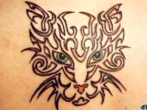 Tatuaggio di gatto tipo tribale o celtico